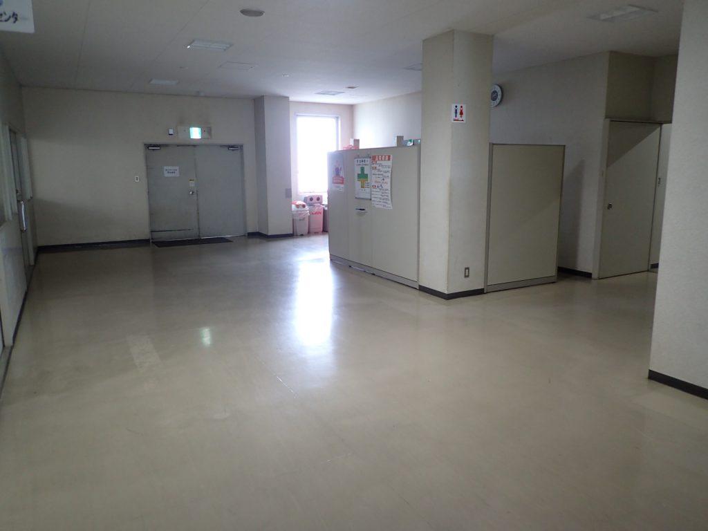 廊下クリーニング