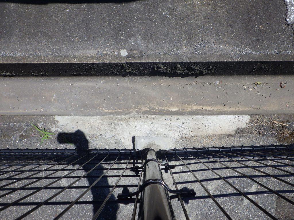 側溝・フェンス